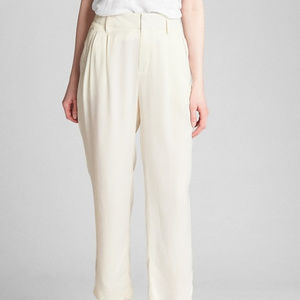 GAP Pleated Trousers in Ivory Satin NWOT